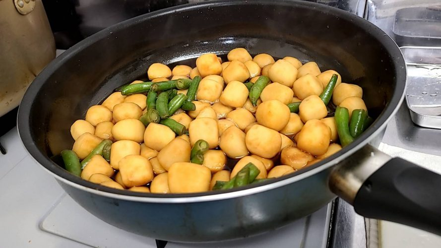 里芋の煮物♫